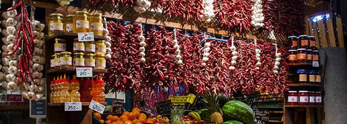 sokfajta magyar paprika a piacon
